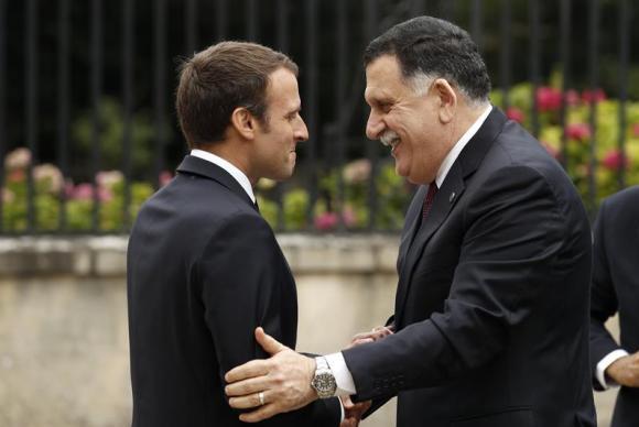 Líderes da Líbia estabelecem em Paris um acordo de cessar-fogo