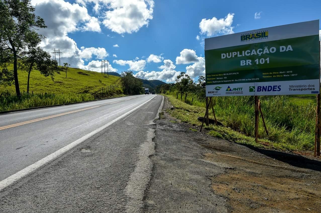 Ministro dos Transportes garante duplicação da BR 101 em visita ao Espírito Santo