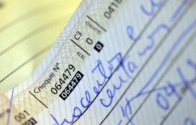 cheque 0 400x255 - Cheques devolvidos atingem o menor nível desde setembro de 2014