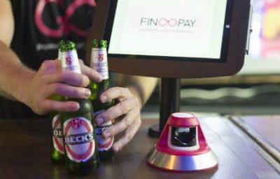 Supermercado no Reino Unido permite que clientes paguem com impressão digital 400x255 - Supermercado no Reino Unido permite que clientes paguem com impressão digital