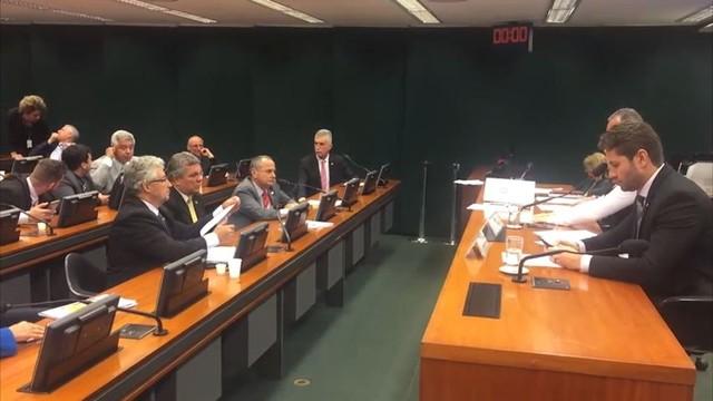 Câmara dos Deputados aprova anistia a PMs que participaram de paralisação no ES