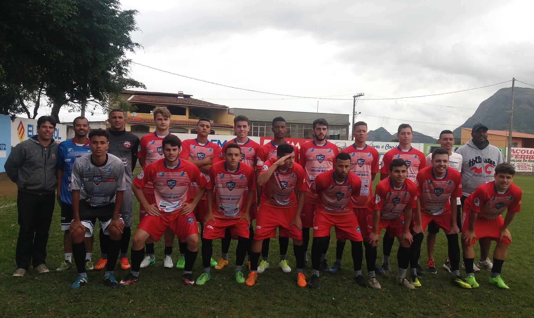 Iconha FC  enfrenta o Doze FC no KLEBER ANDRADE  neste domingo na Final do Campeonato CARIACIQUENSE SUB 20 DE 2017