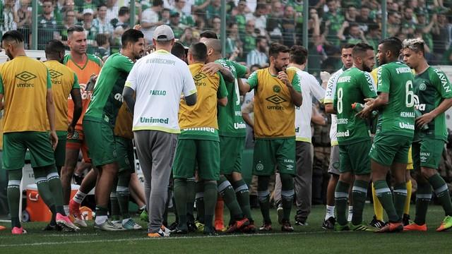 Reconstruída e classificada: Chape vence, vai à Libertadores e rebaixa o Coritiba