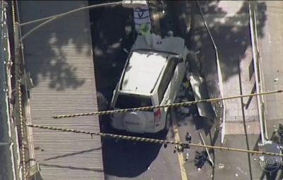Motorista é detido após veículo atropelar mais de uma dezena de pessoas em Melbourne na Austrália 400x255 - Motorista é detido após veículo atropelar mais de uma dezena de pessoas em Melbourne, na Austrália