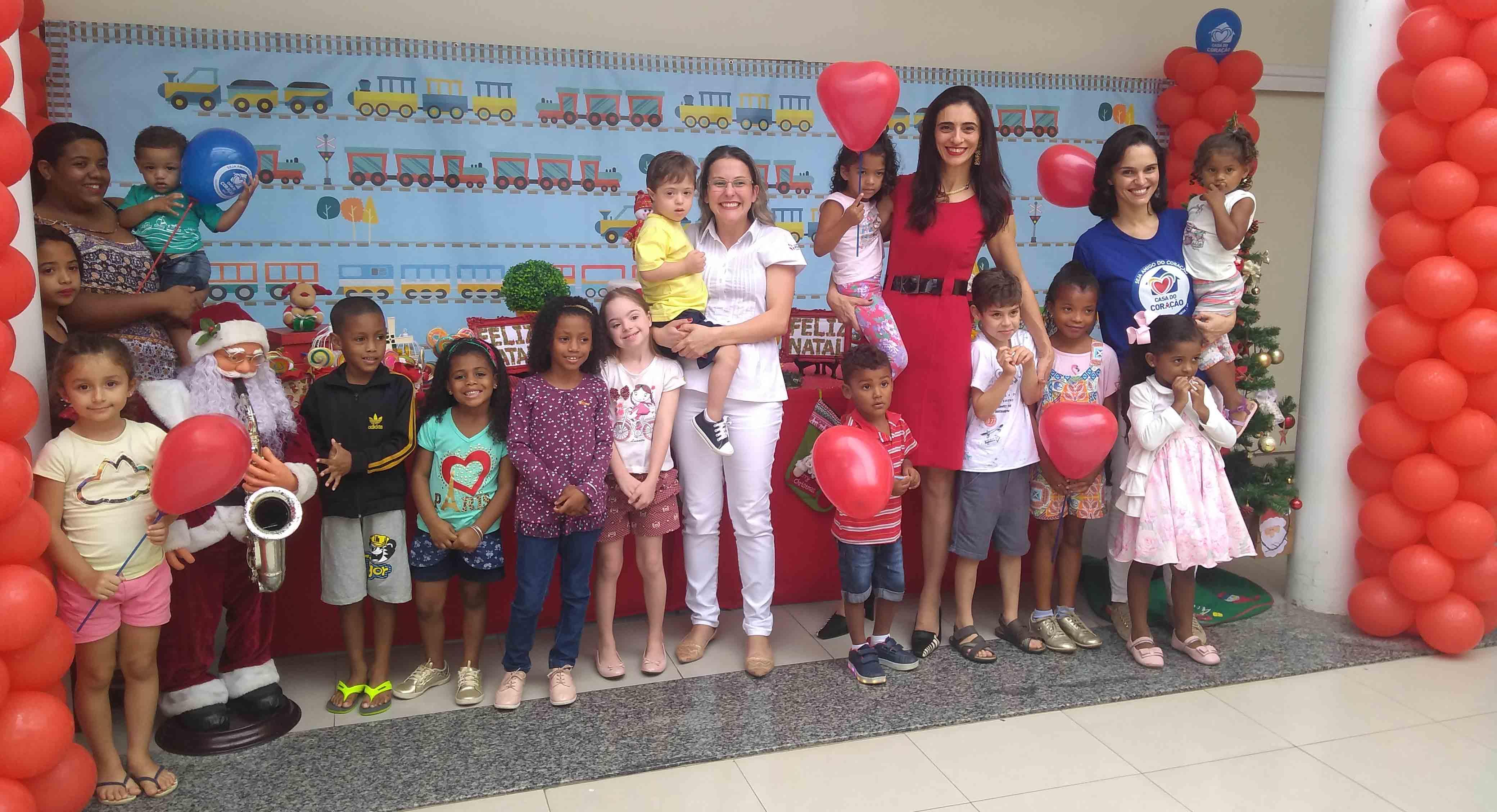 Crianças cardíacas ganham festa de natal no Hospital Evangélico
