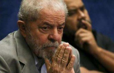 lula 27 400x255 - Para PGR, defesa de Lula deve ser intimada antes de julgamento no STJ
