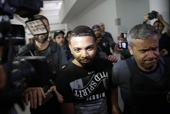 """Rogério 157 insinuou que """"resolveria vida"""" de policiais que o prenderam"""