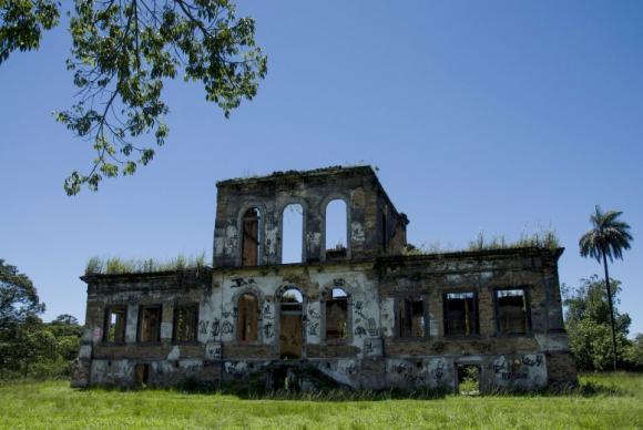 Fazenda histórica em Nova Iguaçu vai virar parque público