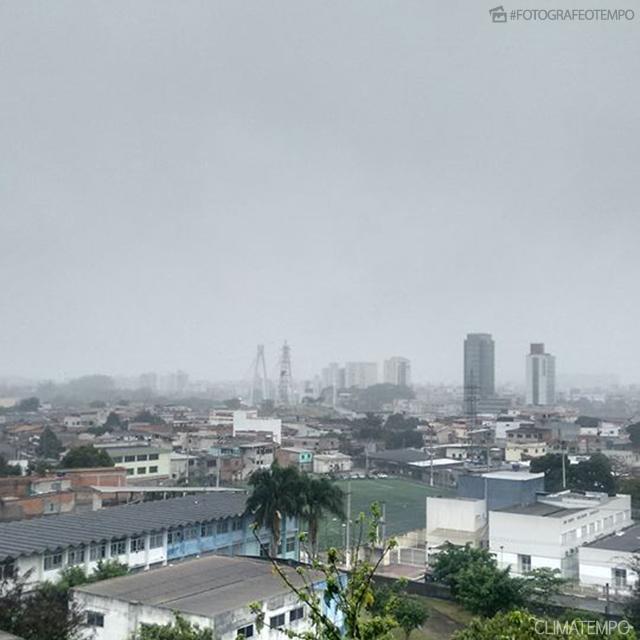 Vitória tem chuva do mês de maio em 24 horas