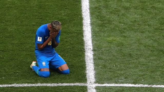 Brasil faz dois nos acréscimos, e Neymar chora em vitória sofrida sobre a Costa Rica