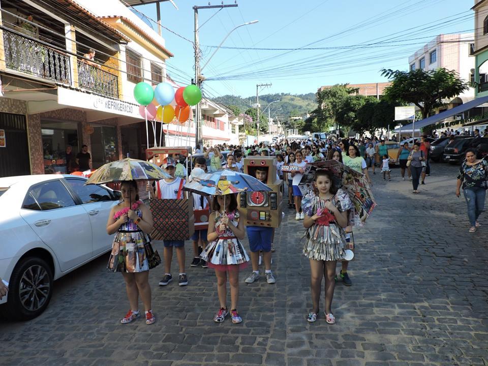Festa do Município volta acontecer na Praça e resgata Desfile Cívico