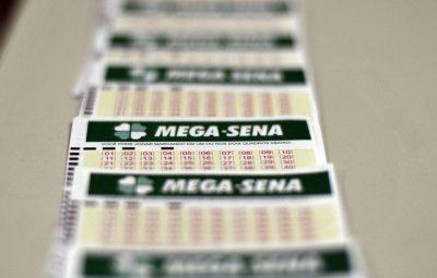 mega sena 400x255 - Mega-Sena acumula mais uma vez e prêmio vai a R$ 50 milhões