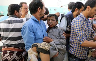 Bombardeio contra ônibus com crianças deixa mortos e feridos no Iêmen 400x255 - Bombardeio contra ônibus com crianças deixa mortos e feridos no Iêmen