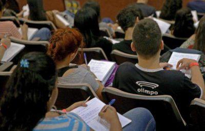 estudante 400x255 - EBC oferece ferramentas de estudo para o Enem 2019