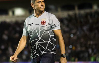 jorginho 400x255 - Durou pouco: após 10 jogos, Jorginho é demitido do Vasco