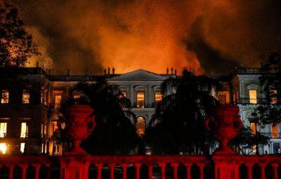 INCÊNDIO NO MUSEU NACIONAL DO RIO DE JANEIRO 400x255 - Bicentenário, saiba o que Museu Nacional guardava