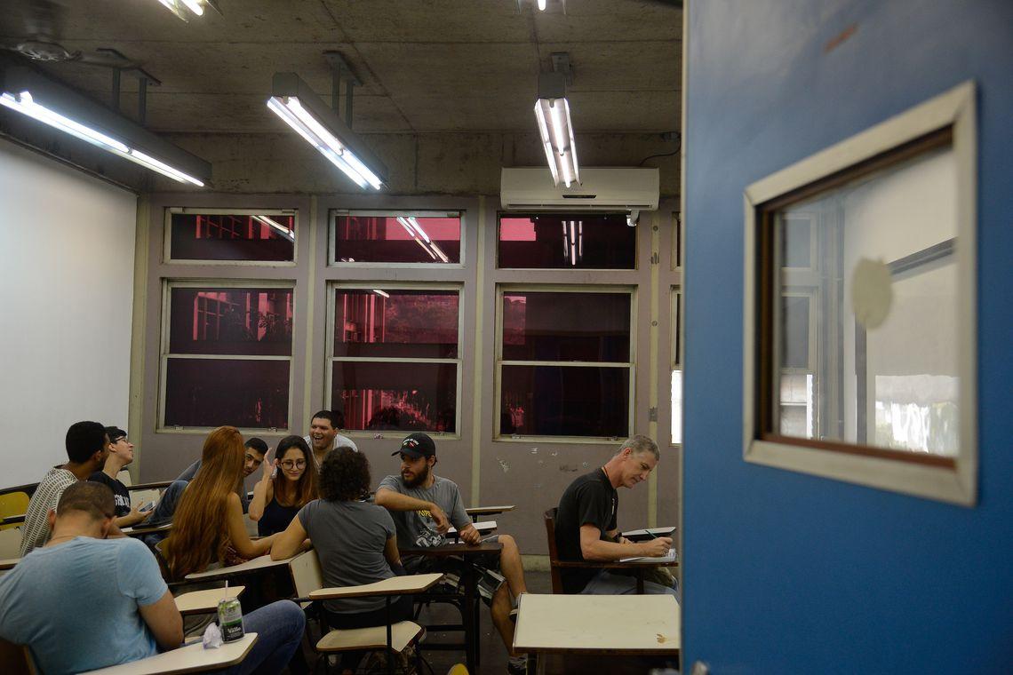 Mais de 500 mil estudantes poderão renegociar dívida do Fies