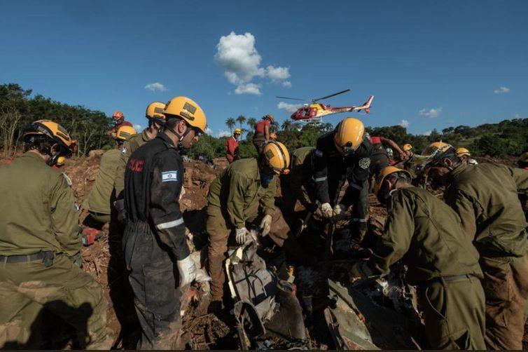 Israel manterá auxílio enquanto for útil ao resgate, diz embaixador