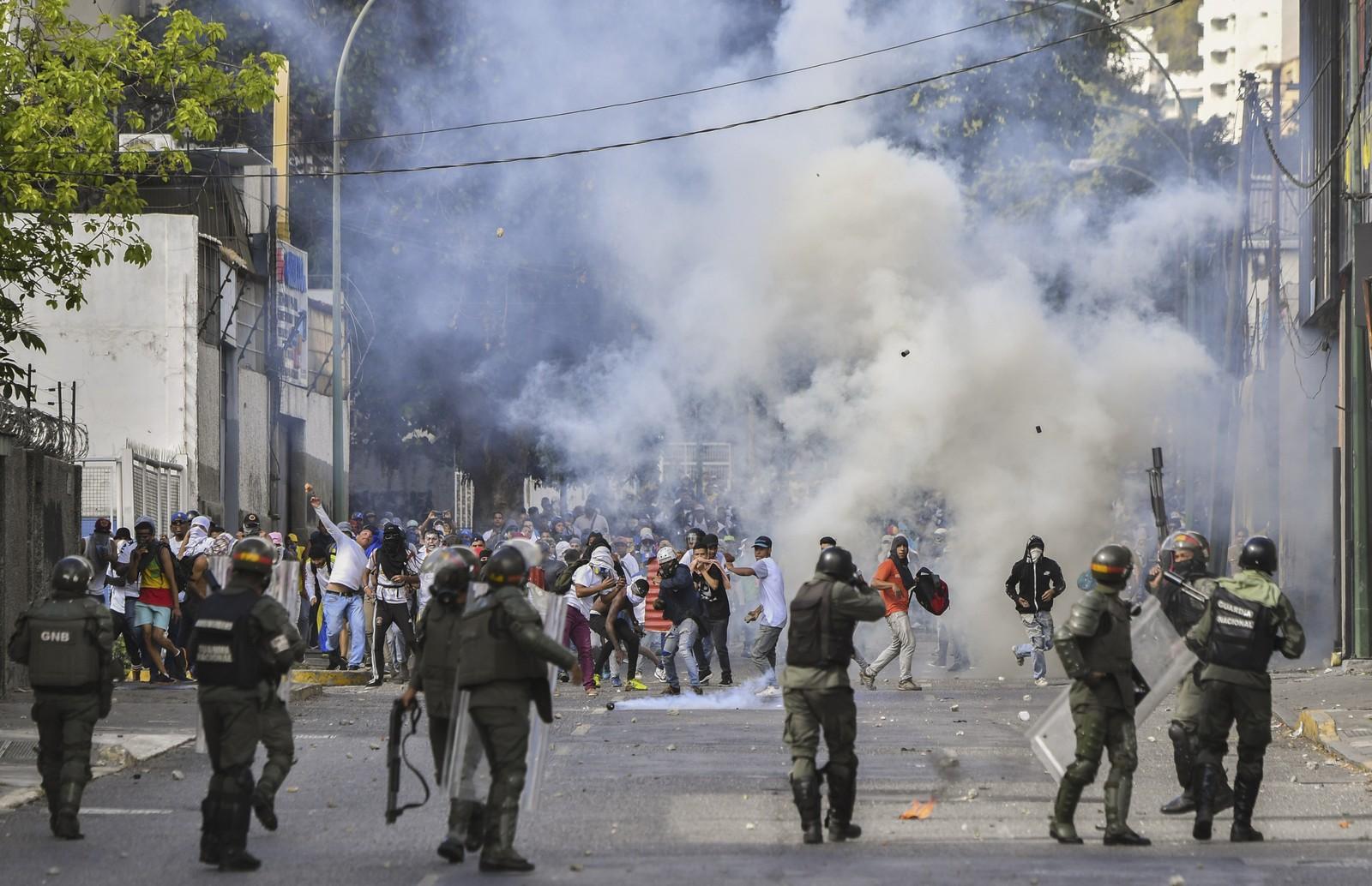 ONU diz que mais de 40 pessoas morreram e 850 foram presas na Venezuela