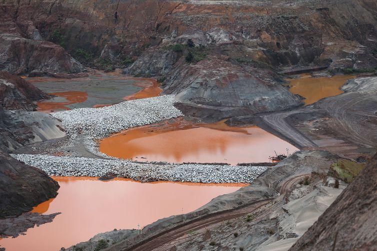 De um total de 24 mil barragens, 780 foram fiscalizadas, diz relatório