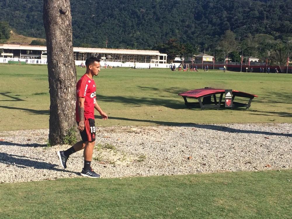 Flamengo pede R$ 11 milhões por Trauco, que volta com situação indefinida e San Lorenzo na cola
