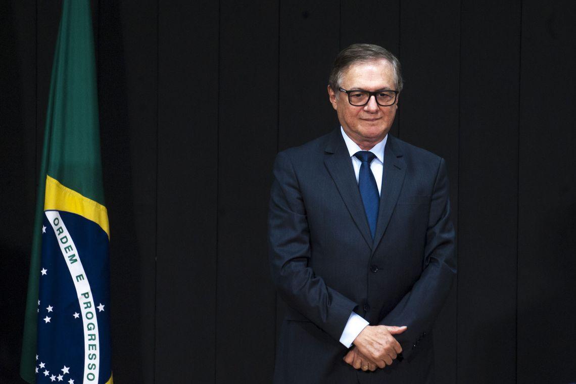 Educação básica será prioridade do MEC, diz Vélez Rodríguez