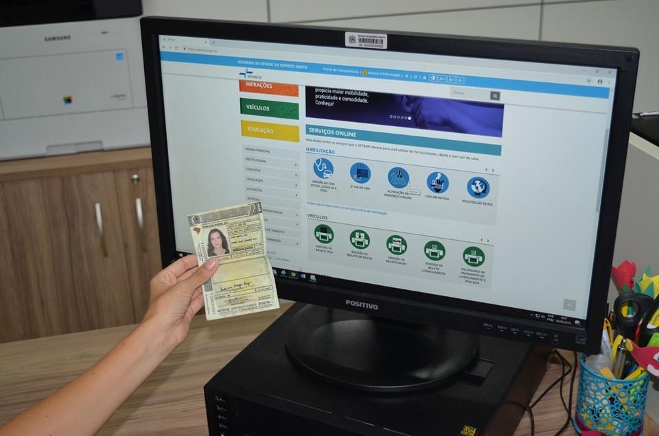 Condutores do ES já podem solicitar mudança de endereço da CNH pela Internet