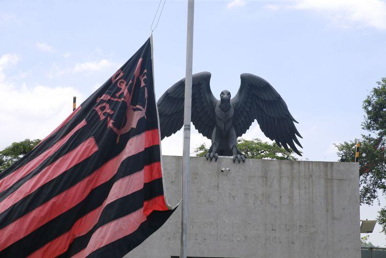 Incêndio no CT do Flamengo é tema de reunião no Ministério Público
