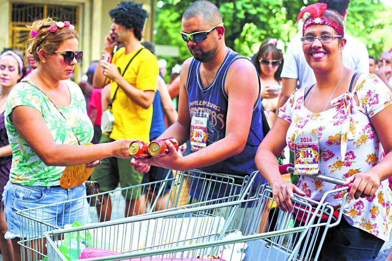 Inscrições para ambulantes trabalharem no Pré-Carnaval já tem data