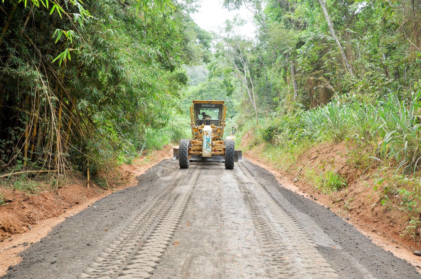Iconha:  Estradas rurais começam a receber Revsol