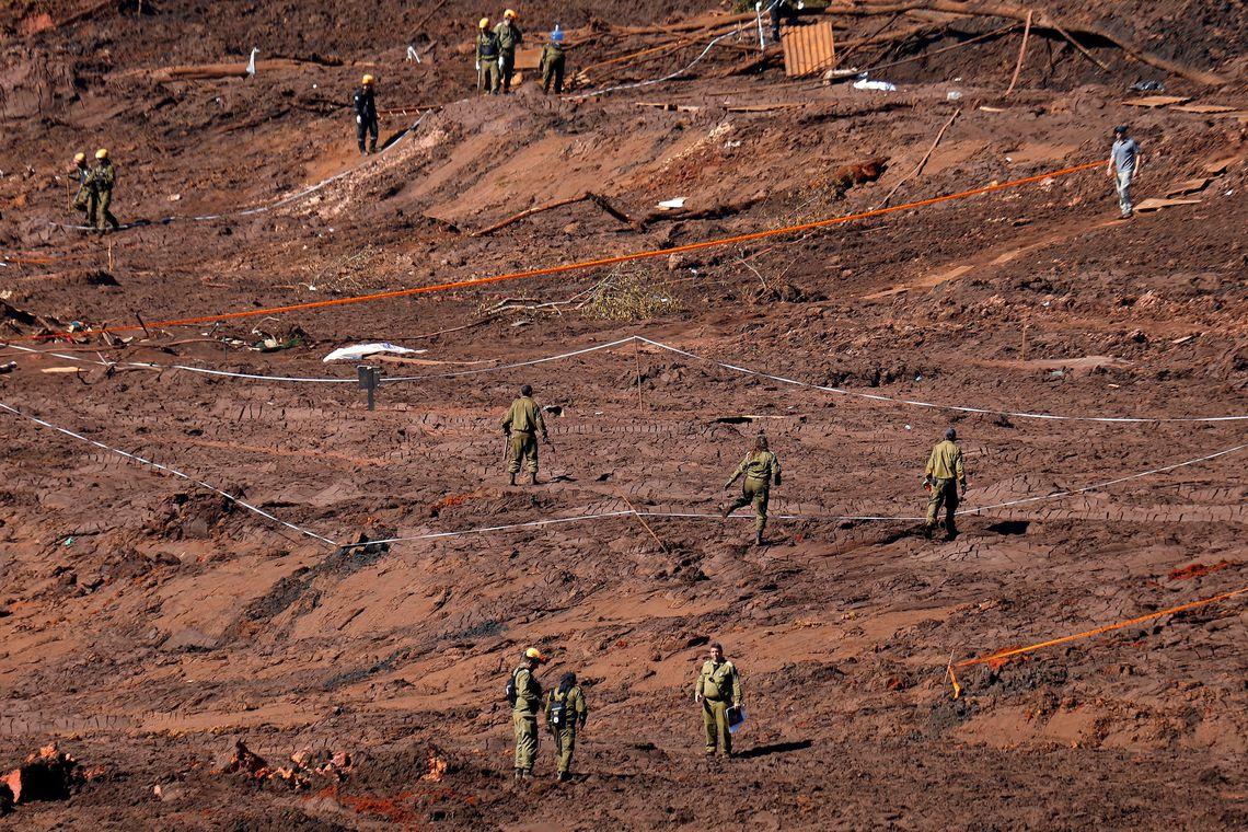 Bombeiros localizam mais um corpo nas buscas em Brumadinho