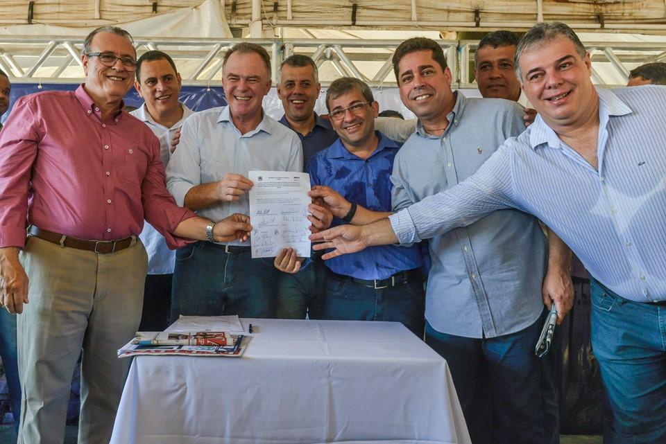 Governo do Estado assina convênio para recuperação da orla de Piúma