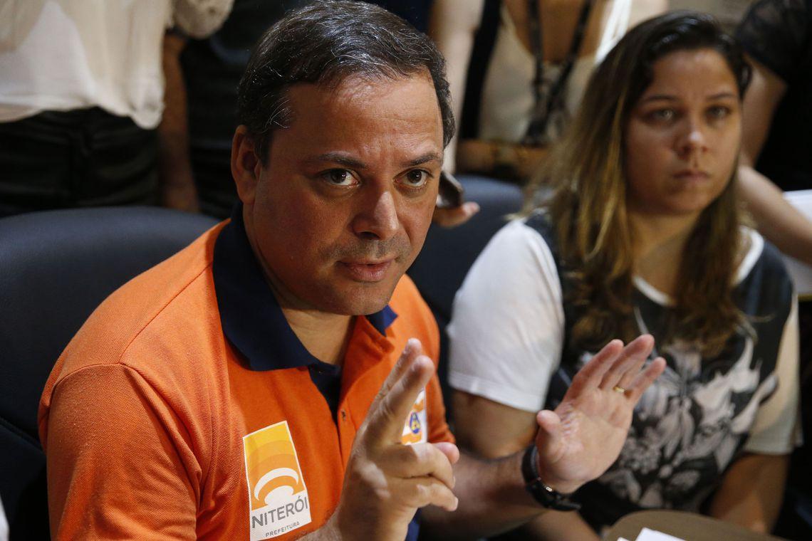 Justiça libera prefeito de Niterói que poderá reassumir o cargo