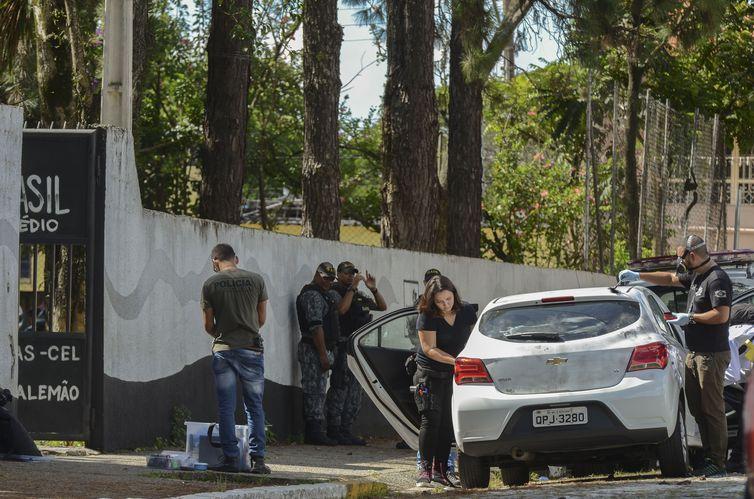 Após tragédia, polícia tenta descobrir motivação e detalhes do crime