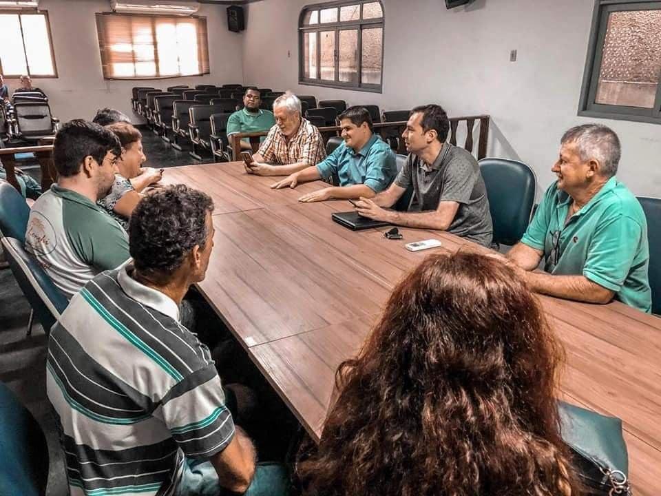 Deputado Estadual Alexandre Xambinho visita Iconha e ouve demanda de lideranças do município.