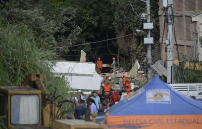 Muzema 1 400x255 - Prefeitura do Rio inicia demolição de prédios na Muzema