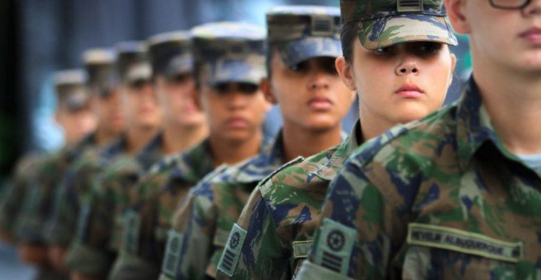 Senadores querem saber impacto de serviço militar voluntário feminino