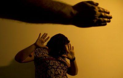 violencia mulher 400x255 - Cinco estados somaram 449 casos de feminicídio em 2020