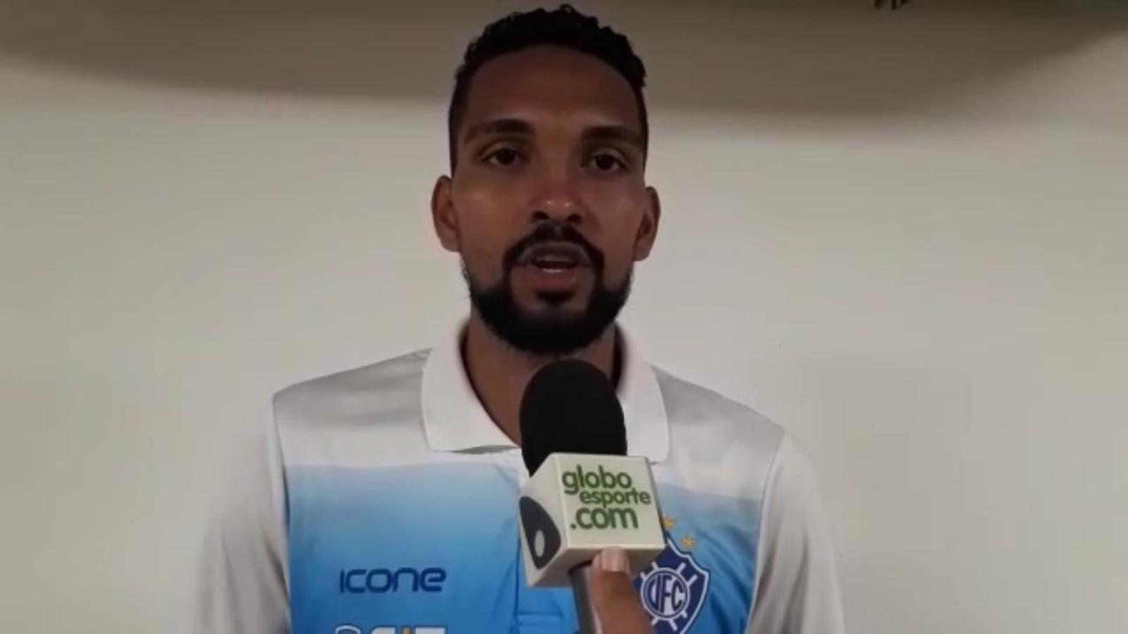 """Thainler exalta assistência para o gol do Vitória-ES e pede """"calma"""" ao time no jogo de volta"""