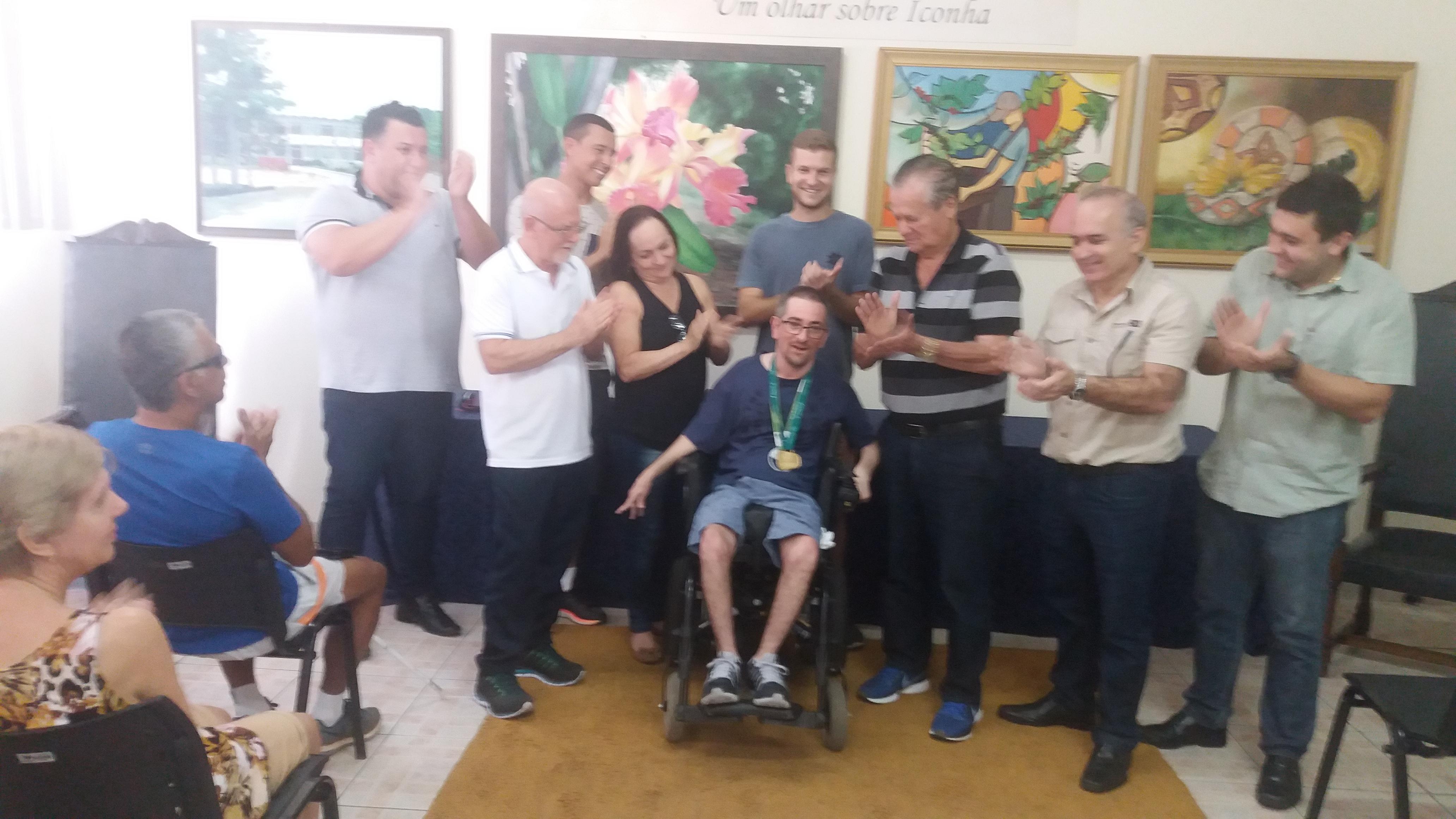 Atleta Iconhense é Homenageado Após Conquista da Prata no Rio de Janeiro