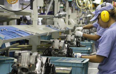 Industria 400x255 - Produção industrial cresce 0,3% de março para abril