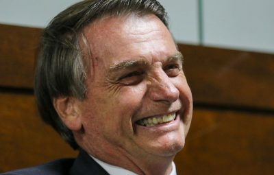 bolsonaro 400x255 - Jair Bolsonaro comemora cirurgia bem-sucedida