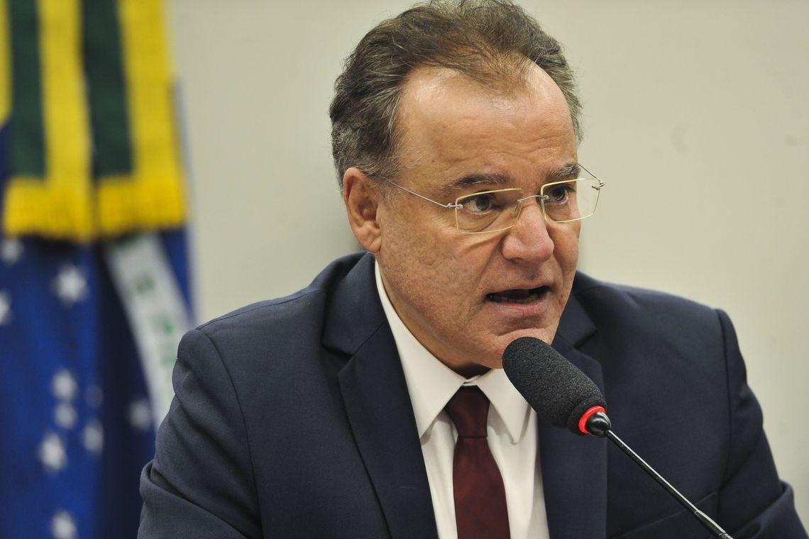 Comissão da Previdência se reúne para votar parecer do relator