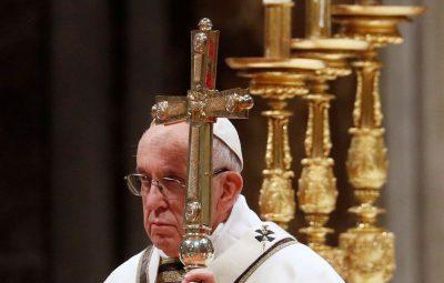 Papa 400x255 - Papa recorda o elo que existe entre o amor a Deus e aos irmãos
