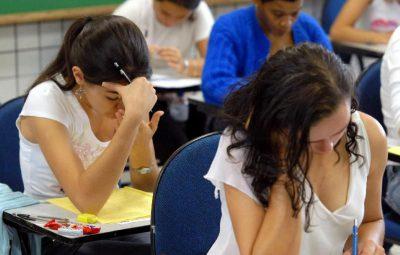 estudantes 400x255 - MEC prorroga prazo para renegociação de dívida com Fies