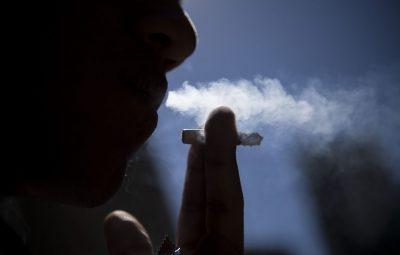 fumo 400x255 - Japão proíbe fumo em ambientes fechados e em locais públicos