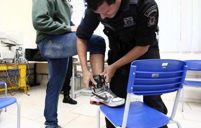 tornozeleira eletrônica 400x255 - No Rio, agressores de mulheres terão de usar tornozeleira eletrônica
