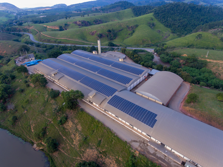 Sicoob ES inicia operações do maior complexo de energia compartilhada do Brasil