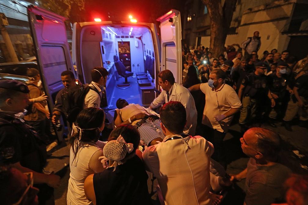 Bombeiros encerram buscas no Hospital Badim, diz direção; 11 corpos foram retirados