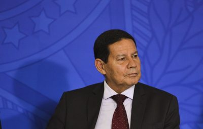 mourao 400x255 - Mourão diz que guerra econômica entre China e EUA afeta o Brasil